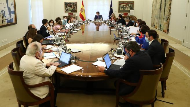 Spanish Government Will Approve New Measures On Tuesday To Lower Electricity Price