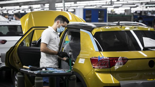 Lack Of Chips Delays The Production Of 500,000 Vehicles